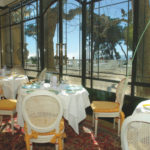 Intérieur du restaurant Les Pins perchés