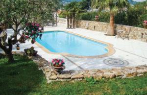 Avantages d'une piscine à coque en polyester