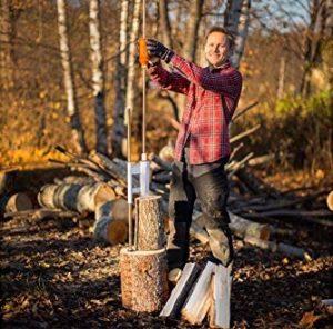 couper du bois pour se chauffer