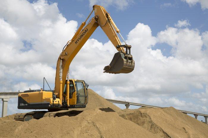 pelleteuse pour des chantiers de terrassement