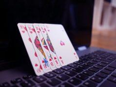 Le poker en ligne séduit de plus en plus d'adeptes